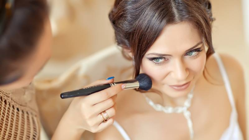 Hiring Hair and Makeup Artist for your Wedding