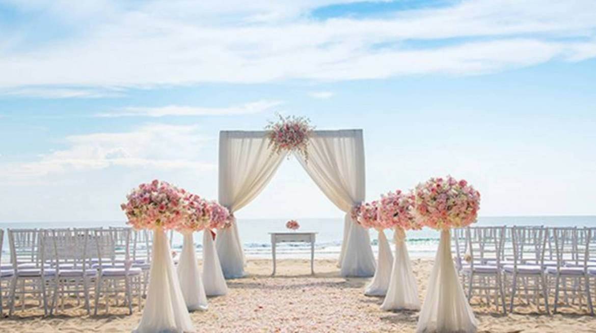 7 Tips for Planning a Beach Wedding